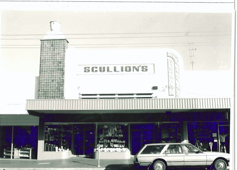 24309 Scullions
