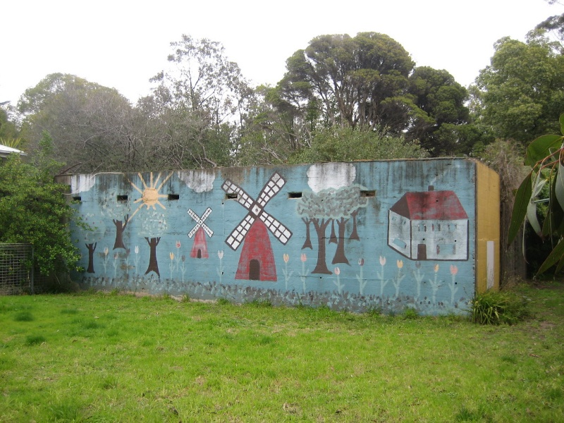 Former Maribyrnong Migrant Hostel Sept 2008 Dutch Mural