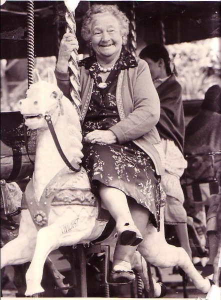 Sylvia Briggs Riding the Zoo Carousel_Image supplied by Sylvia's Grandaughter, Feauina Sullivan