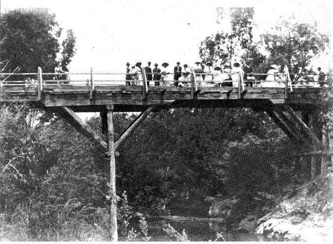 142 - Concrete Arch Bridge Hurstbridge 11 - Old photograph of the bridge (ELHPC No.1001) - Shire of Eltham Heritage Study 1992