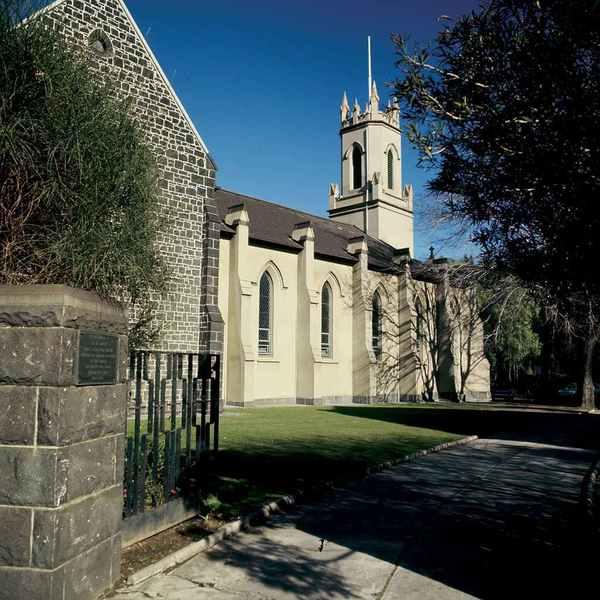 B0137 St Peters Church