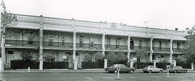B2376 University Square Melbourne University Carlton