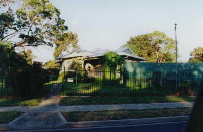 B6938 Hugh Linaker's Cottage
