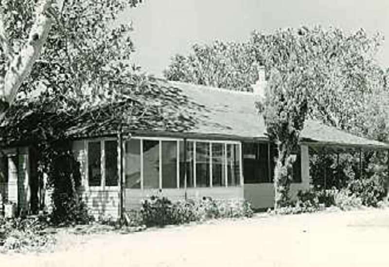 B0805 Black Rock House