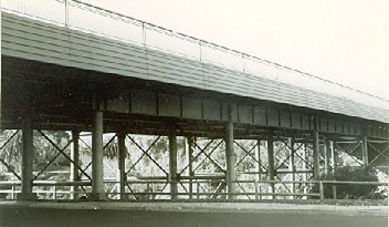 B1600 Metal Truss Bridge