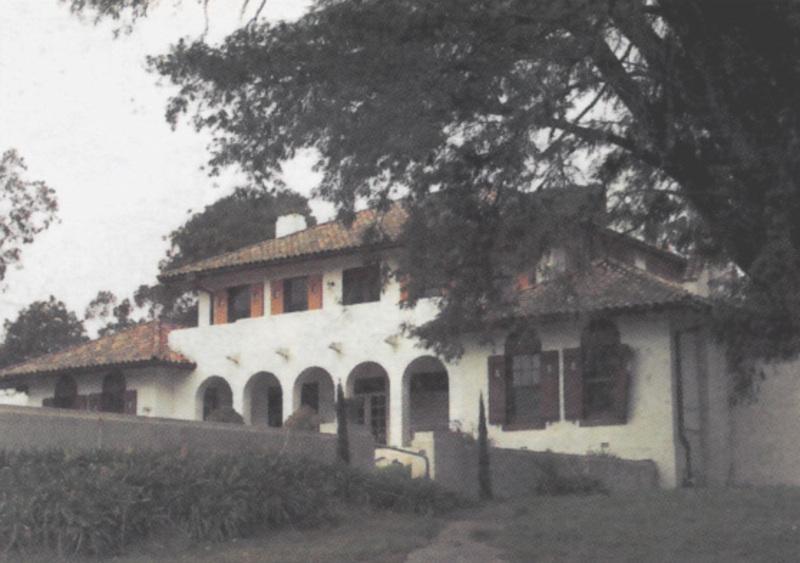 B4818 Bruce Manor