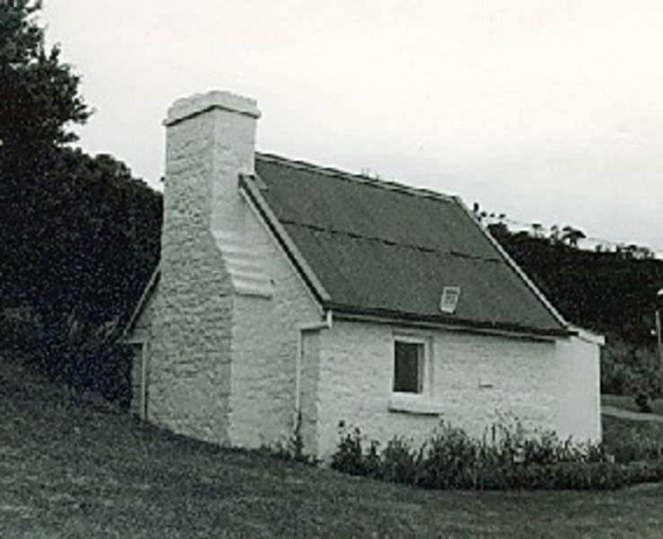 B2031 Shepherd's Hut Portsea