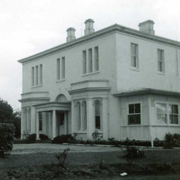 B1203 Beaufort house