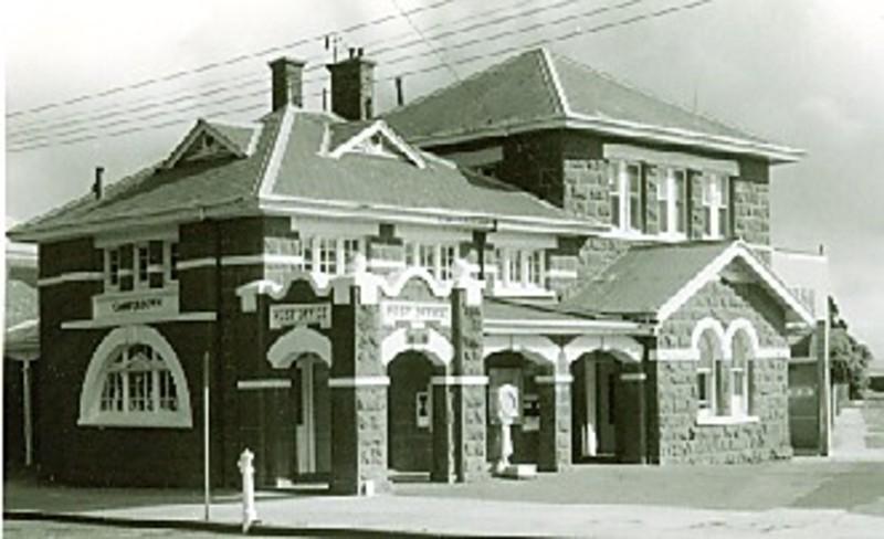 B2676 Post Office