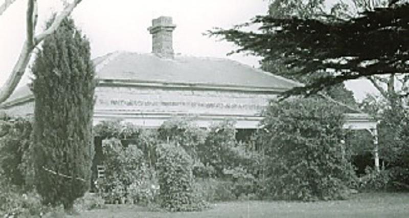 B2338 Leslie Manor Homestead