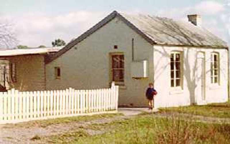 B4135 19 Plumridge Street