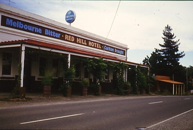 B5182 Red Hill Hotel & Music Hall