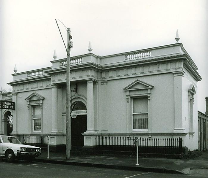 B4419 Mechanics Institute