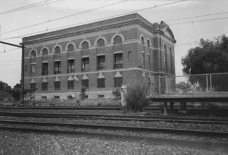 2048 - Brimbank City Council Post-contact Cultural Heritage Study 1999