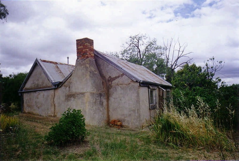 SD 055a - Love Cottage - 21 Clyde Street, ST ARNAUD