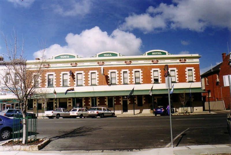 SL 185a - Town Hall Hotel, 62-68 Main Street, STAWELL