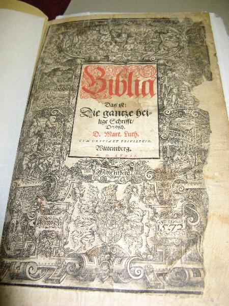 Mechanics Institute_Hamilton_C16 German bible_KJ_April 09