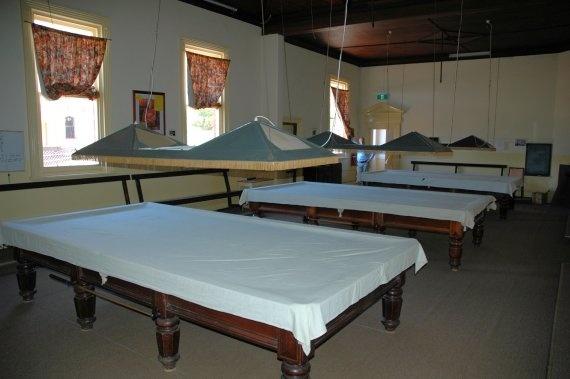 Mechanics Institute_Hamilton_billiard room_2007