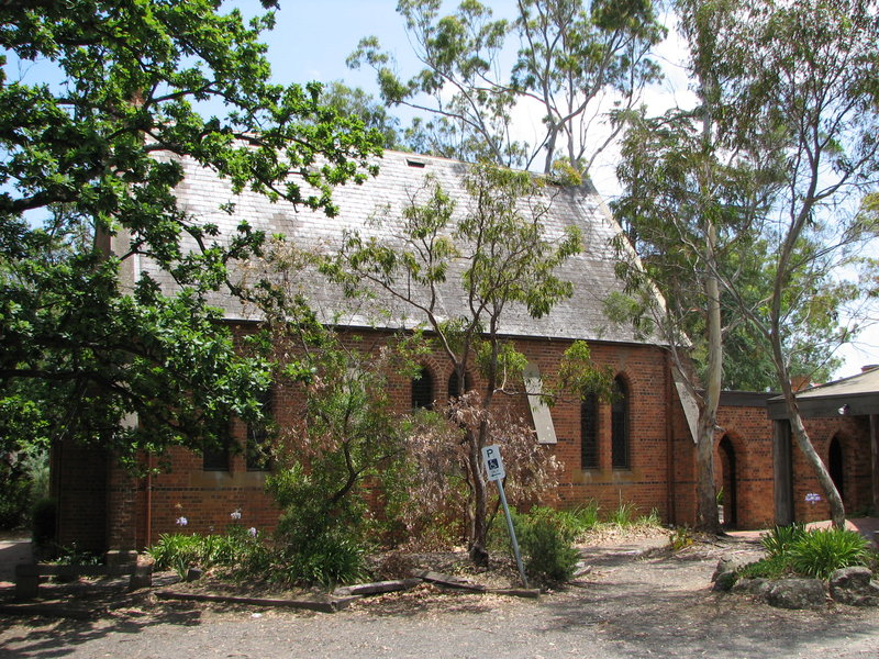 ST MARGARETS CHURCH AND ORIGINAL VICARAGE SOHE 2008