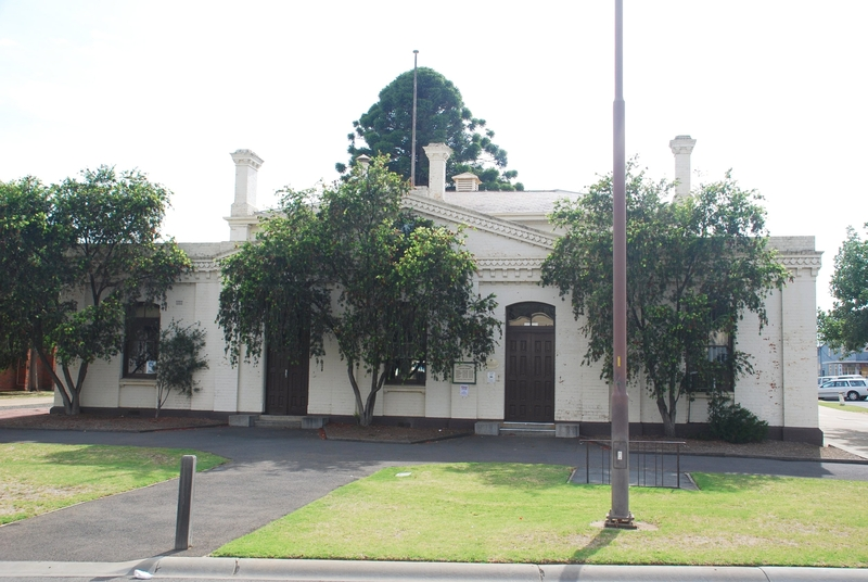 FORMER ECHUCA TOWN HALL SOHE 2008