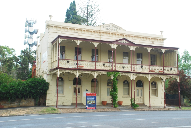 GOLDMINES HOTEL SOHE 2008
