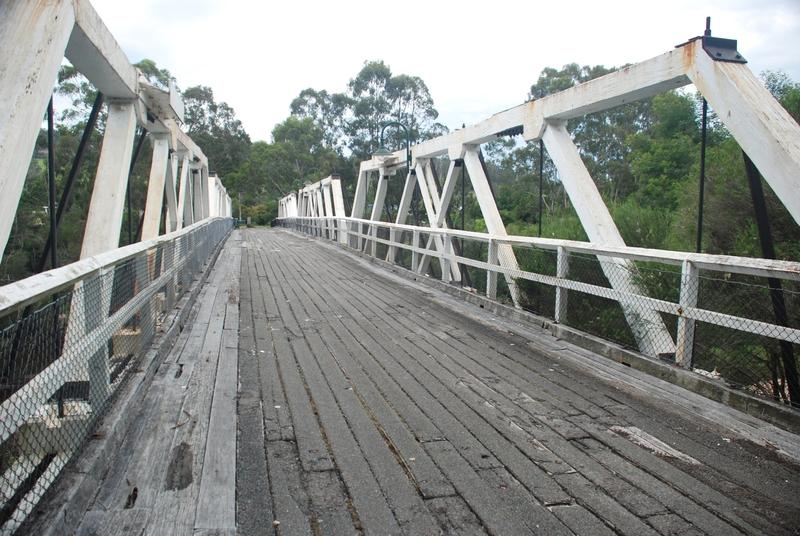 TIMBER TRUSS AND CONCRETE BRIDGE SOHE 2008