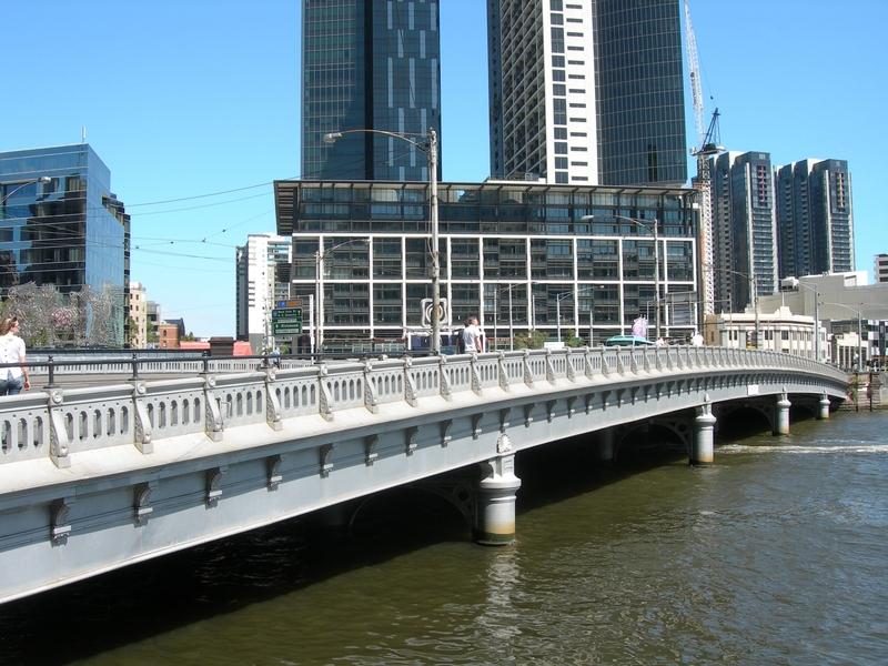 QUEENS BRIDGE SOHE 2008