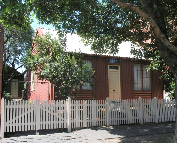 IRON HOUSE SOHE 2008