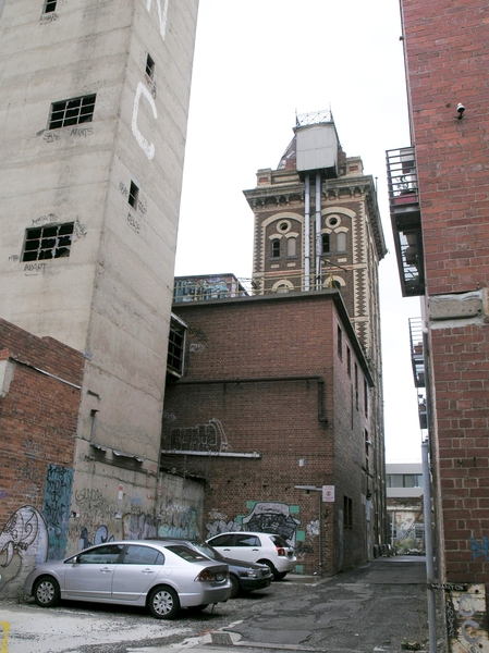 FORMER YORKSHIRE BREWERY SOHE 2008