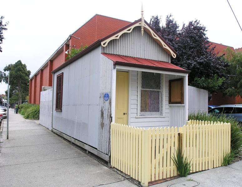 DOLLS HOUSE SOHE 2008