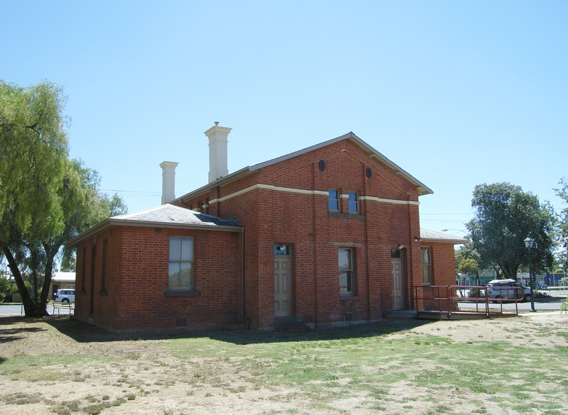 FORMER PLEASANT CREEK COURT HOUSE SOHE 2008