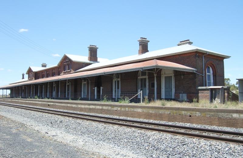 SERVICETON RAILWAY STATION SOHE 2008