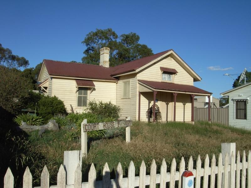 BALMORAL COURT HOUSE SOHE 2008