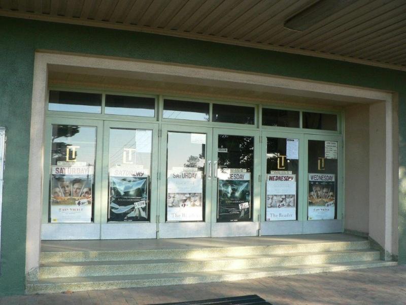 Lorne Cinema detail of entrance 2009
