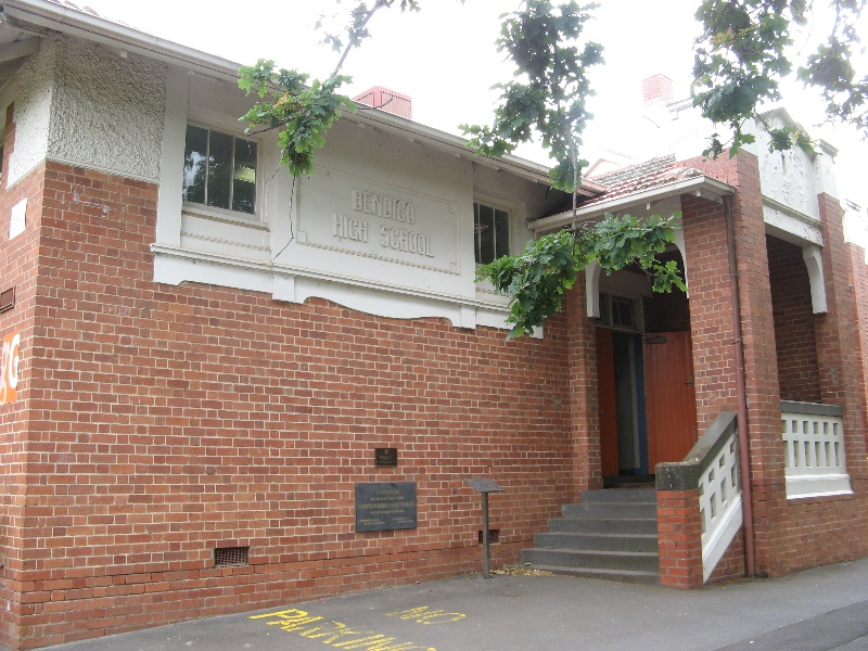 Bendigo Senior Secondary College_entrance to 1914 building_KJ_Nov 09