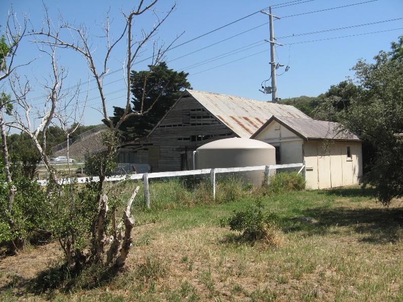 Clonard_milking/shearing shed and milking machine shed