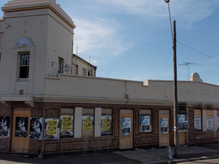 HO40 (2) - Rising Sun Hotel, 193 Geelong Road, Footscray.JPG