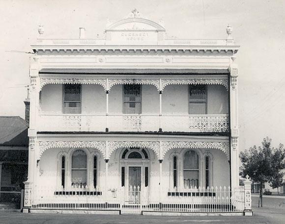 B1682 Guernsey House 232 Esplanade East Port Melbourne