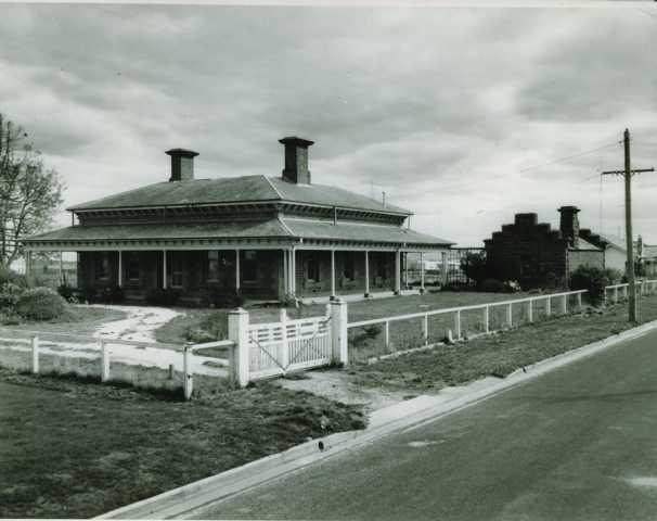 B1384 Lauderdale - Ballarat