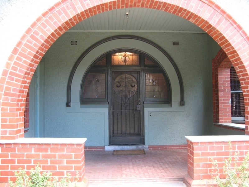 23 Mitford St - entrance porch