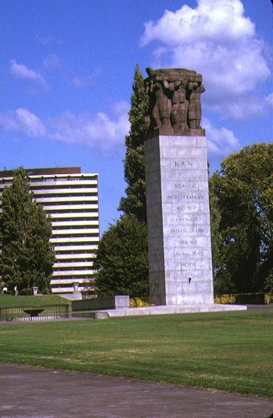 shrine of remembrance st kilda road melbourne ww2 memorial