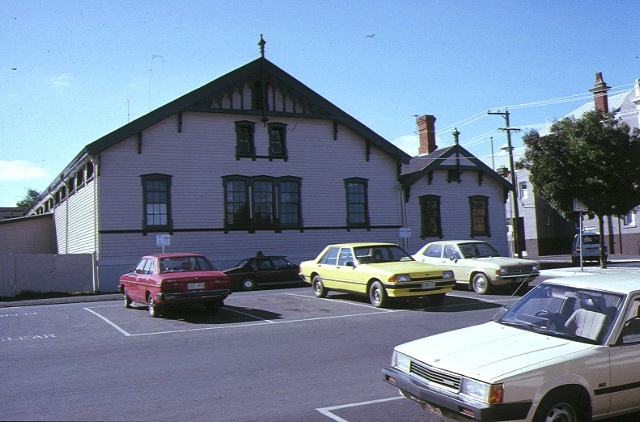 1 drill hall lyttleton street castlemaine front view