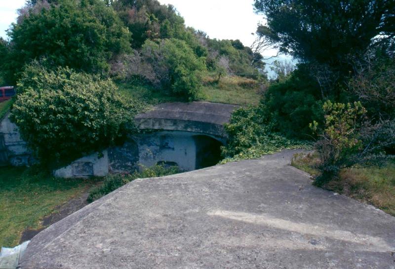 h01090 fort franklin portsea gun emplacement 01 0903 mz