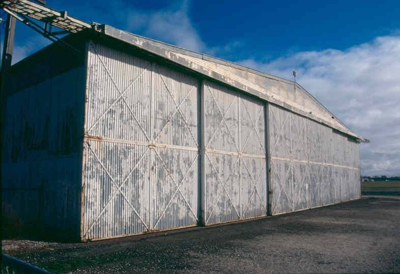 H01969 pt cook bellman hangar aug02 pm1