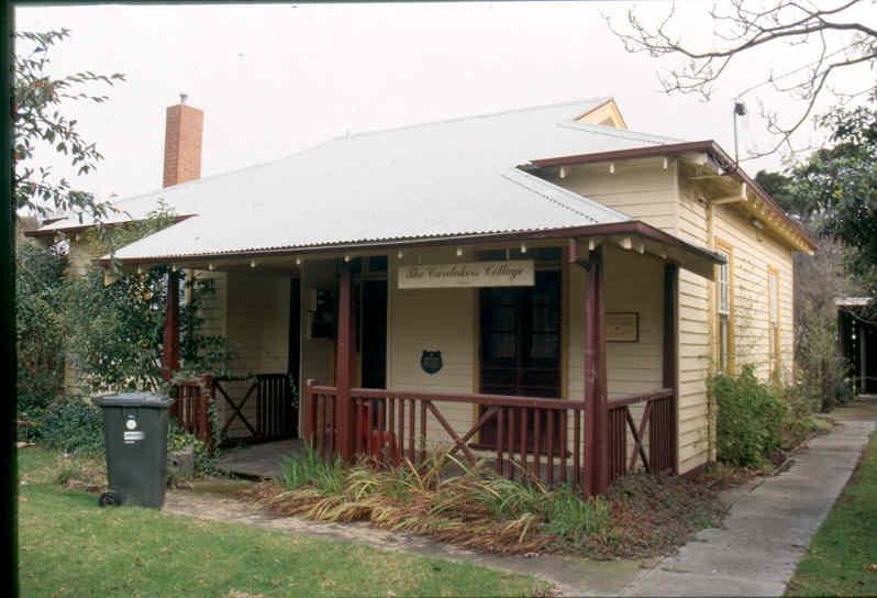 H01969 pt cook caretakers cottage aug02 pm1