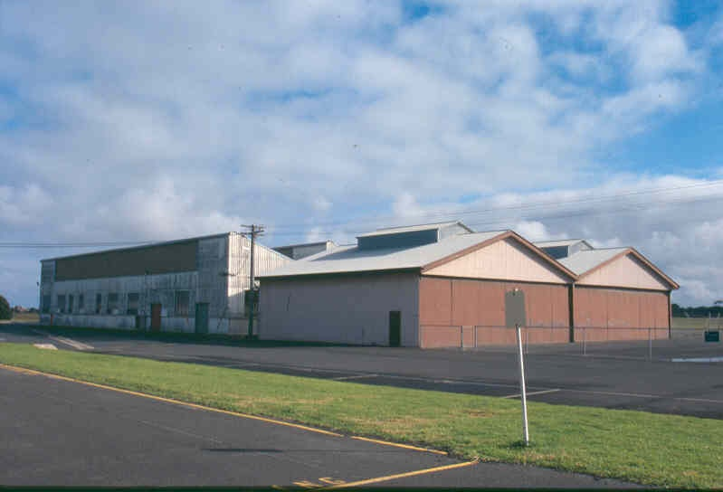 H01969 pt cook hangar store aug02 pm1