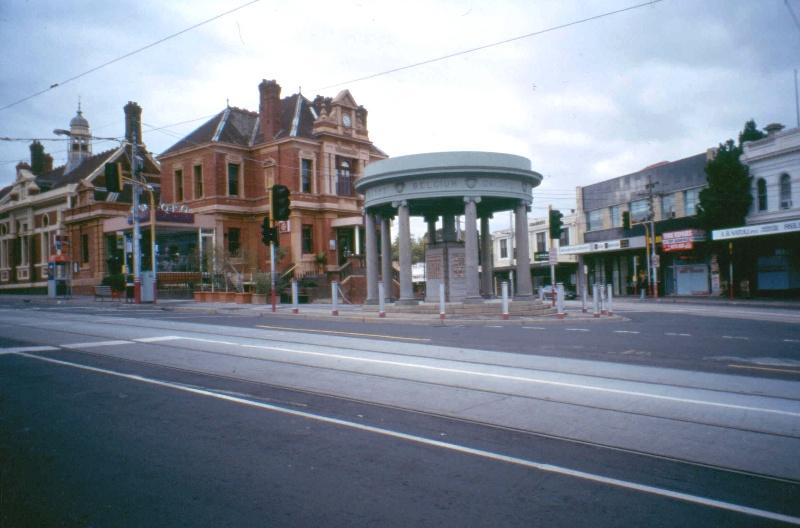 Kew War Memorial 2004