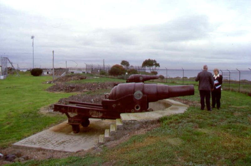 1 fort gellibrand point gellibrand williamstown gun emplacements pm2 july1999