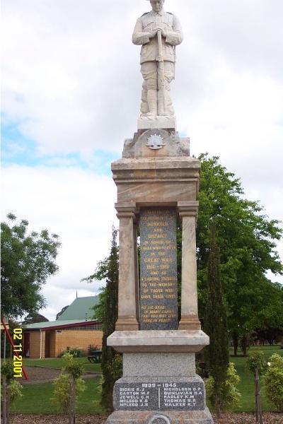 23457 Copy of 0397 Dunkeld War memorial