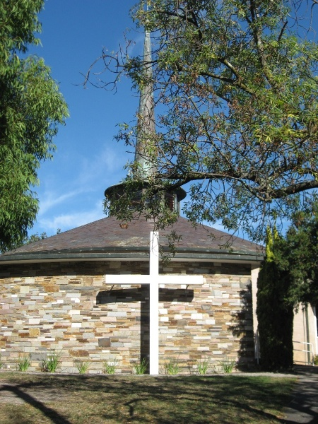 45050 St Faiths Anglican Church Glen Iris exterior view 2010
